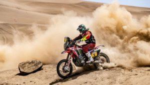 Motocicleta en el desierto